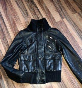 Женская кожаная куртка (42-44р)