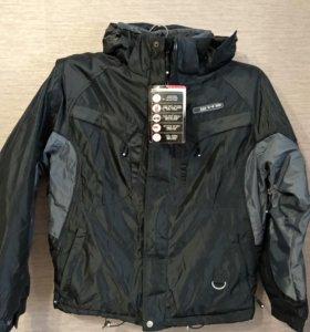Куртка с капюшоном новая