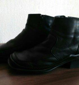 Ботинки женские р-р 36-37