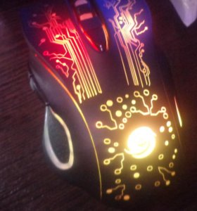 Игровая мышка с подсветкой!!