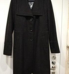 Guess пальто 👍👍