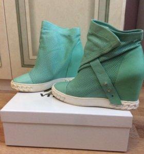 Ботинки ( VITACCI )