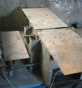 Настольный деревообрабатывающий станок
