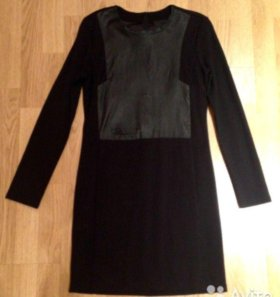Элегантное черное платье с кожаной вставкой