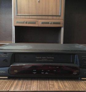 Видеомагнитофон,телевизор,магнитола