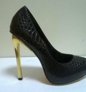 Туфли женские(новые)(натуральная кожа)