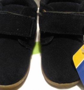 новые ботинки для мальчика/девочки