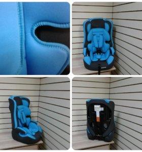 Автокресло новое синее 9-36 кг с вкладышем