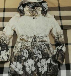 Продам осеннюю куртку рост 146