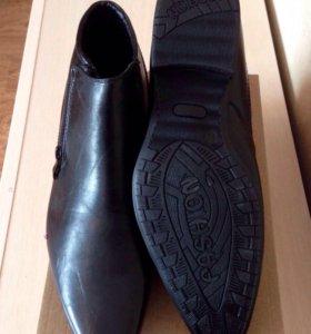Ботинки новые д/с
