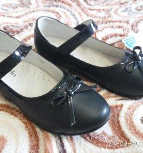 Новые туфли р.34 Школьные