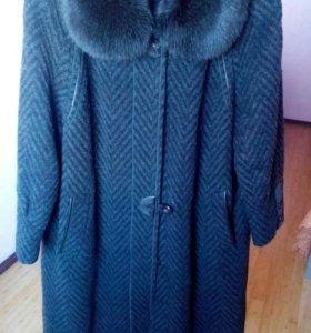 Пальто с песцом! 56 размер!