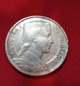 Серебряная монета 5 латов 1931 года выпуска