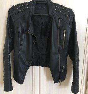 Куртка кожаная с шипами