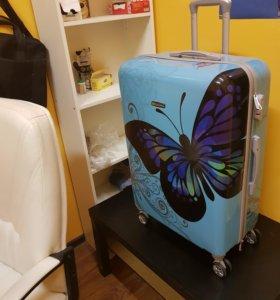 Дамский, красивый, новый чемодан большой L
