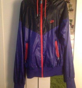 Nike Куртка Женская