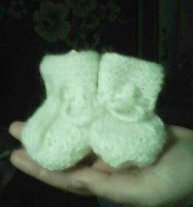 Детские носочки, тапочки, пинетки.