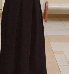 Юбка длинная( плотная)