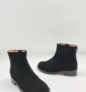 Новые женские ботинки Givenchy. Весна.