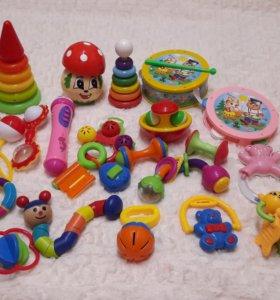 Игрушки для малышей развивающие