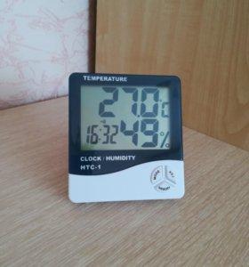 Электронный термометр, гигрометр, часы, будильник.