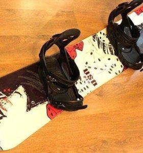 Сноуборд, ботинки для сноуборда, очки, шлем, чехол