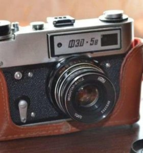 Ретро фотоаппарат Фэд-5 с вспышой