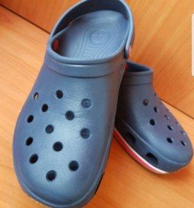 Мужская обувь Crocs