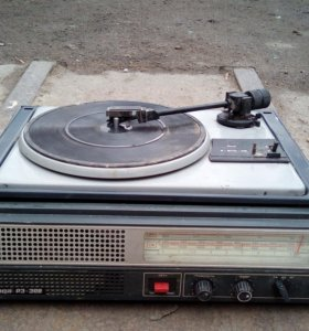 Продаю радиолу серенада РЭ308