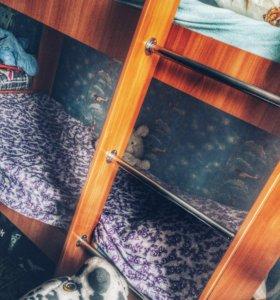Двухъяросная кровать