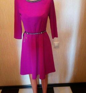 Симпатичное платье.44—46