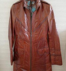 Пальто кожаное размер 42