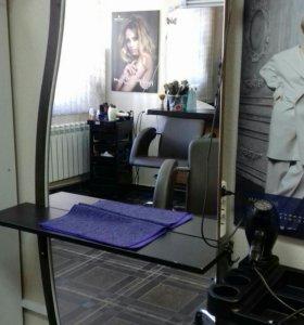 Рабочий стол парикмахера