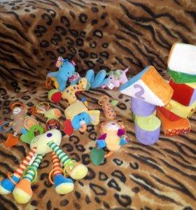 Развивающие игрушки и кубики
