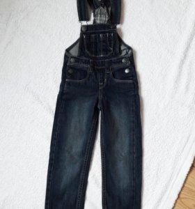 Новый джинсовый полукомбинезон. 92 размер.