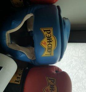 Перчатки, шлем, щитки для бокса