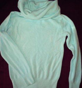 Женский тонкий свитер-водолазка