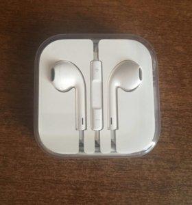 Apple AirPods с разъёмом 3,5 мм