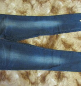 джинсы новые со стразами !
