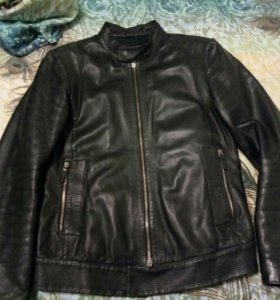 Кожаная куртка EMPORIO ARMANI 44 размер