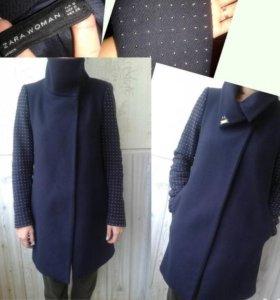 Шерстяное пальто Zara.