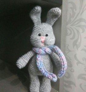 Заяц с шарфом (амигуруми - вязаная игрушка)