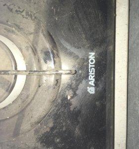 Газовая,кирамическая плита Ariston