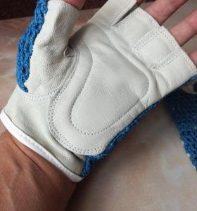 Перчатки кожаные для занятий в тренажерном зале