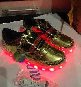 Новые светящиеся кроссовки размер 32 34,