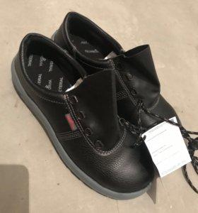 Ботинки НОВЫЕ натуральные 42 размер
