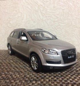 модель Audi Q7 1к24