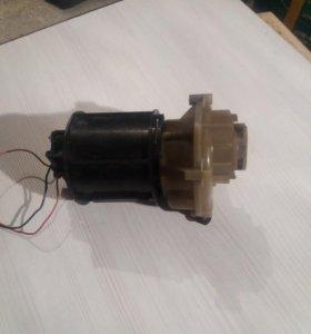 Электродвигатель с редуктором для мясорубки