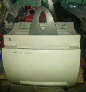 Принтер HP LJ 1100 с полным картриджем