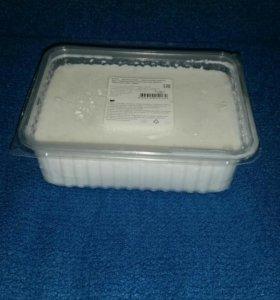 Белая основа для мыла ручной работы.
